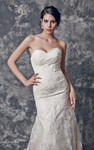 Sweetheart Fit and Flare Lace Wedding Dress